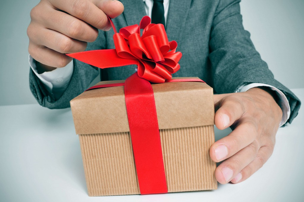Unique Corporate Gift Ideas Guaranteed To WOW Your Employees